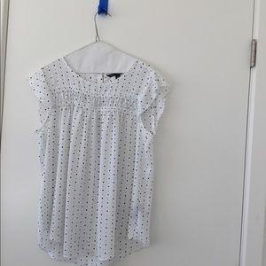 Gorgeous sleeveless blouse
